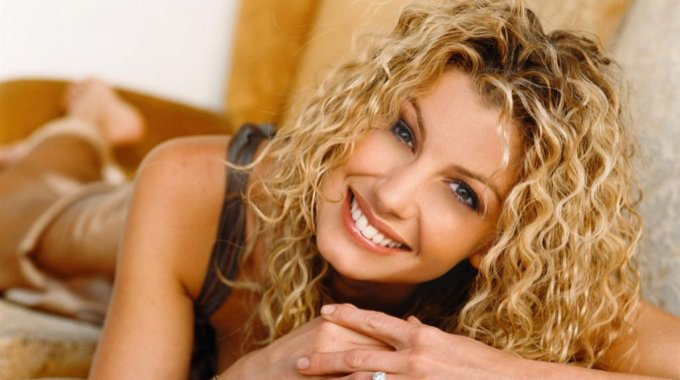 1967 Nace Faith Hill