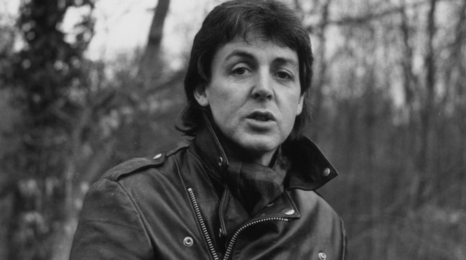 Paul McCartney presenta demanda por los derechos de los Beatles