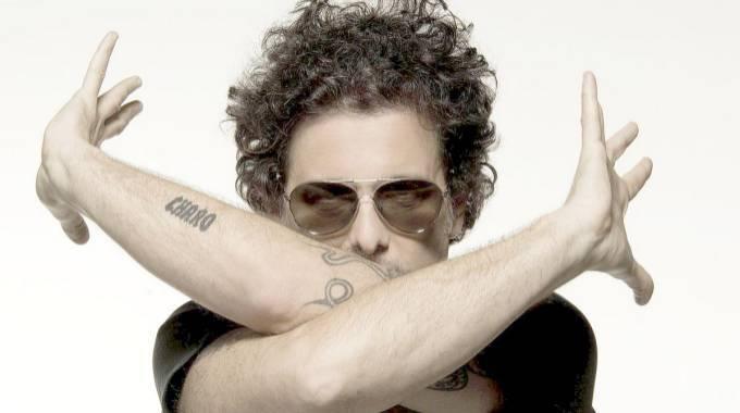 Andrés Calamaro publica el sencillo Verdades afiladas, adelanto de su nuevo álbum