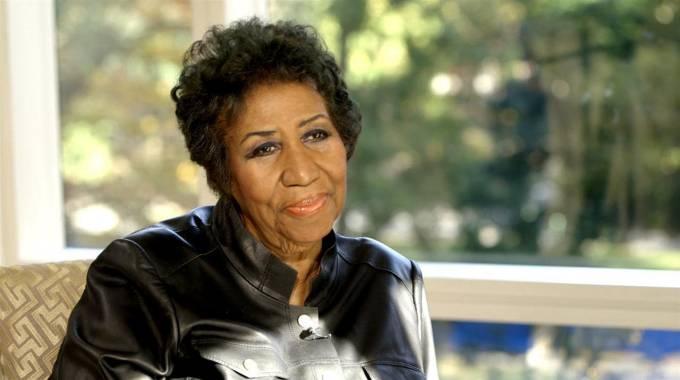 Aretha Franklin es trasladada a casa tras una ligera mejoría en su grave estado
