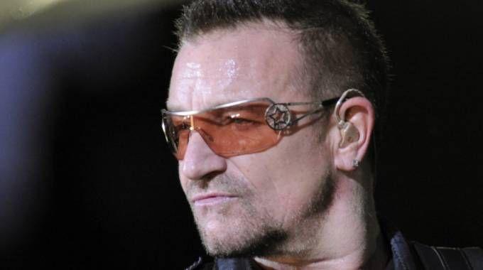 Bono pierde la voz y cancela los próximos conciertos de u2