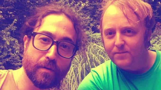La foto selfie de los hijos de John Lennon y Paul McCartney: el revival de los Beatles