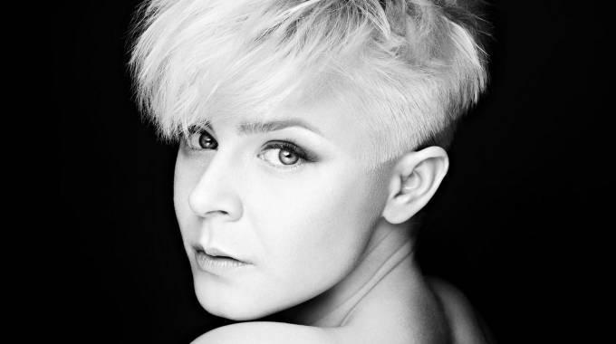 La cantante sueca Robyn anuncia nuevo álbum tras ocho años de silencio