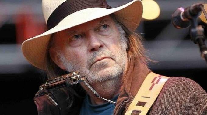 Neil Young se ha casado con Daryl Hannah