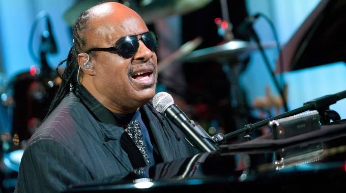 Stevie Wonder se emociona al recordar sus últimas palabras a Aretha Franklin