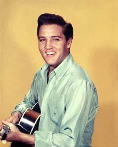 Muchas fotos de Elvis Presley :)