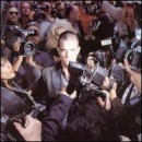 Discografía de Robbie Williams: Life Thru a Lens